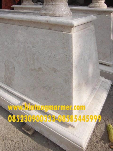 Contoh Makam Marmer