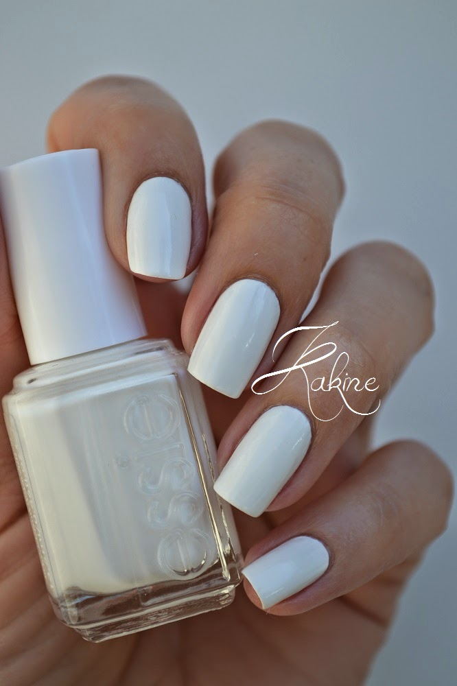 kakine nail art  essie blanc