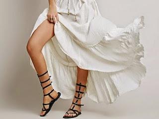 http://www.krisztinawilliams.com/2015/05/the-trendiest-summer-maxi-dresses-for.html