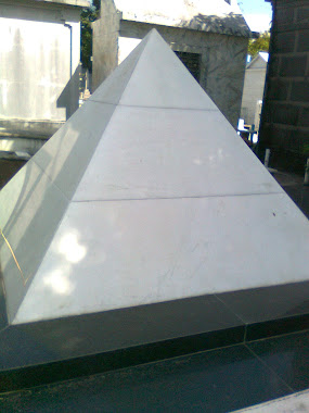 PIRAMIDE DO TEMPLO DE SAGRATH