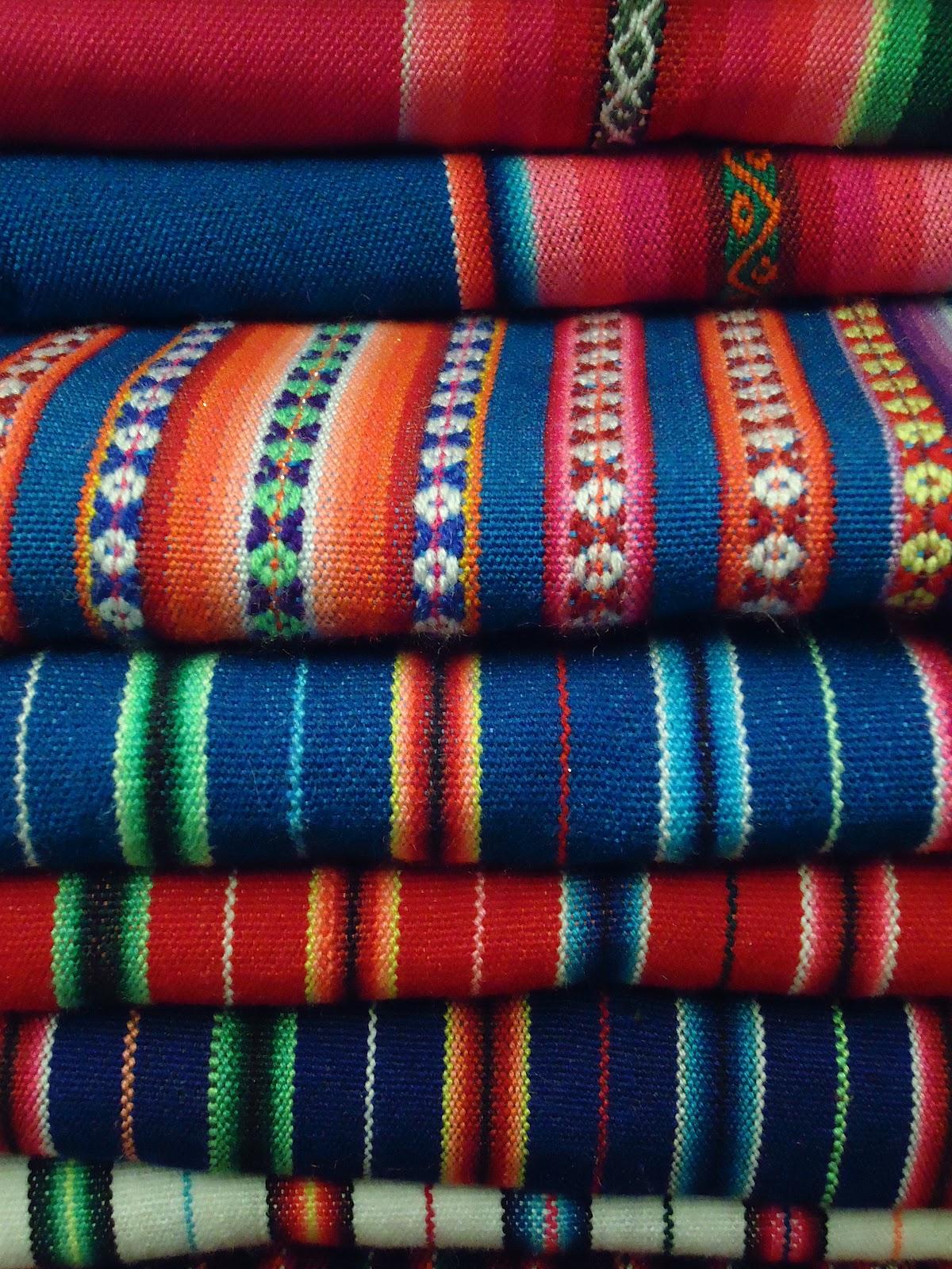 Manteles en tela de aguayo cod 00020 gruppo for Manteles de tela