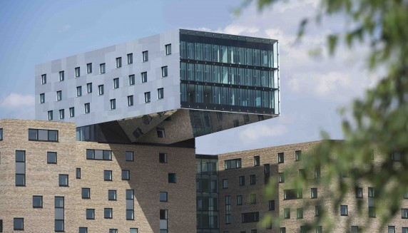 loveisspeed the nhow hotel in berlin design by karim rashid interior. Black Bedroom Furniture Sets. Home Design Ideas