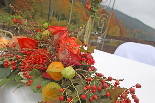 Herbstliches Altargesteck, Trauung am Riessersee in Garmisch, fall altar flowers, wedding in Germany, garmisch