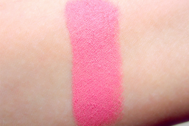 Illamasqua Powder Blush in Hussy (swatch)