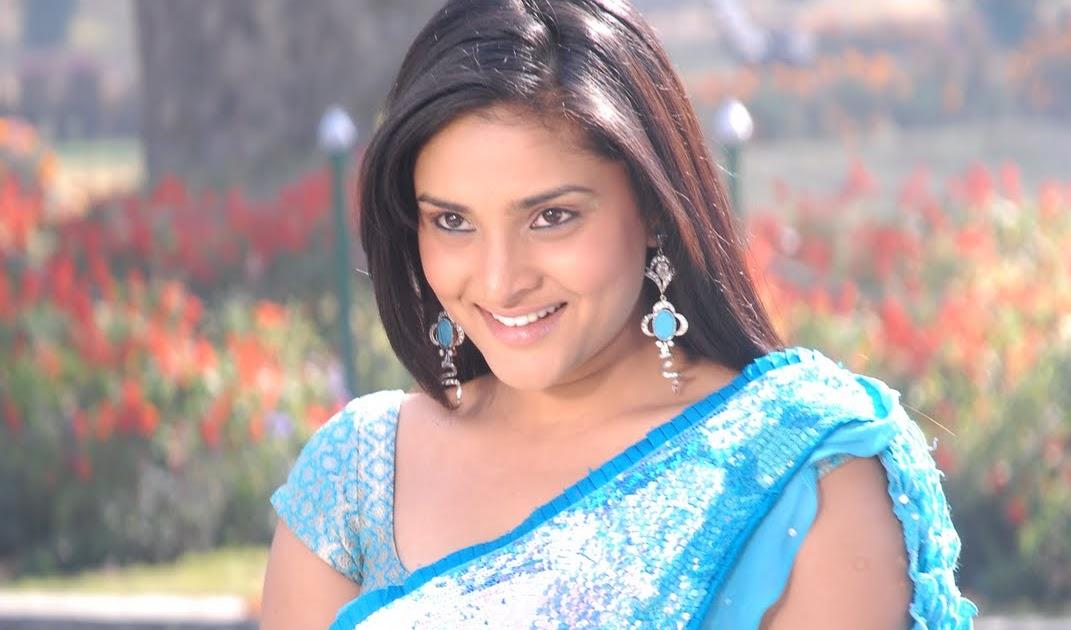Divya Spandana Ramya Looking Charm And Cute In Blue Saree