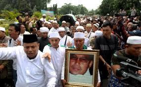 500 Laskar Fpi Mengantar Ust Jefrry Ke Pemakaman Mozaik Harokah Fpi