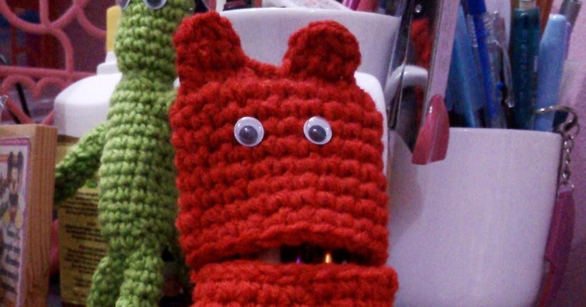Izyan Nadiah: Crochet Hook Case