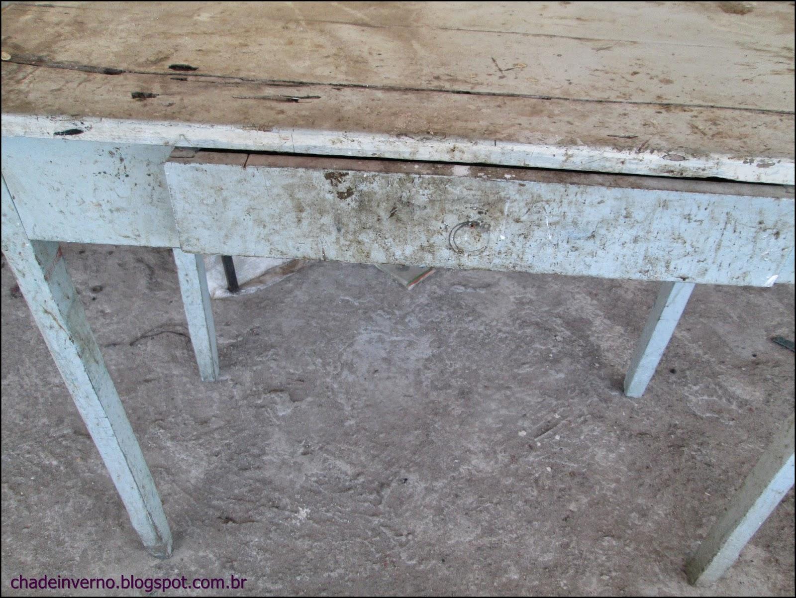 reforma de mesinha de madeira para esconder botijão de gás #50687B 1600x1202