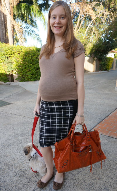 Third trimester office wear asos tartan check plaid maternity pencil skirt tee
