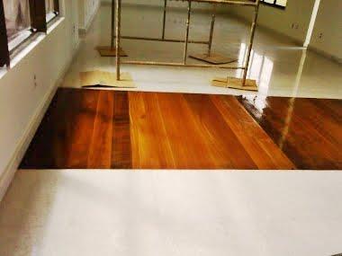 Moldura em pisos. Trabalhamos com todos os tipos de madeira.