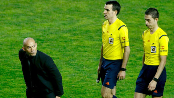 Paco Jémez se mostró enfadado con el arbitraje de Bikandi Garrido