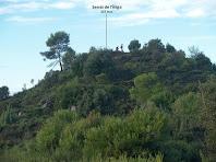 El cim del Serrat de l'Àliga des de la baixada pel cantó de llevant