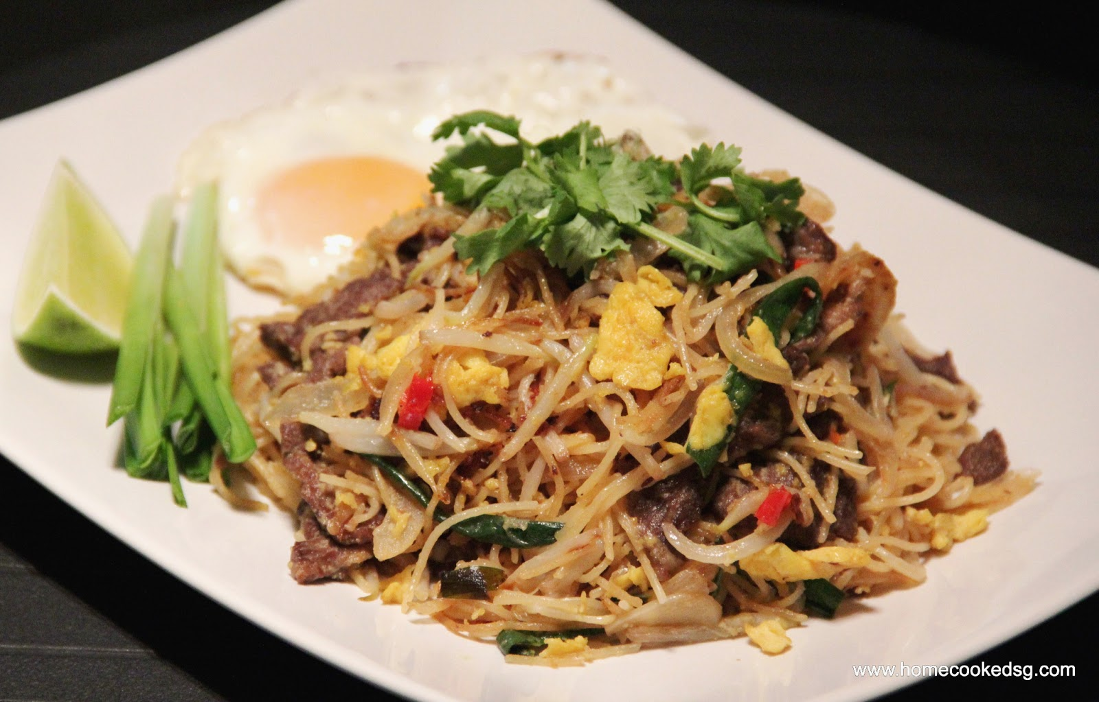 Stir-fry Noodles with Beef - Thai style
