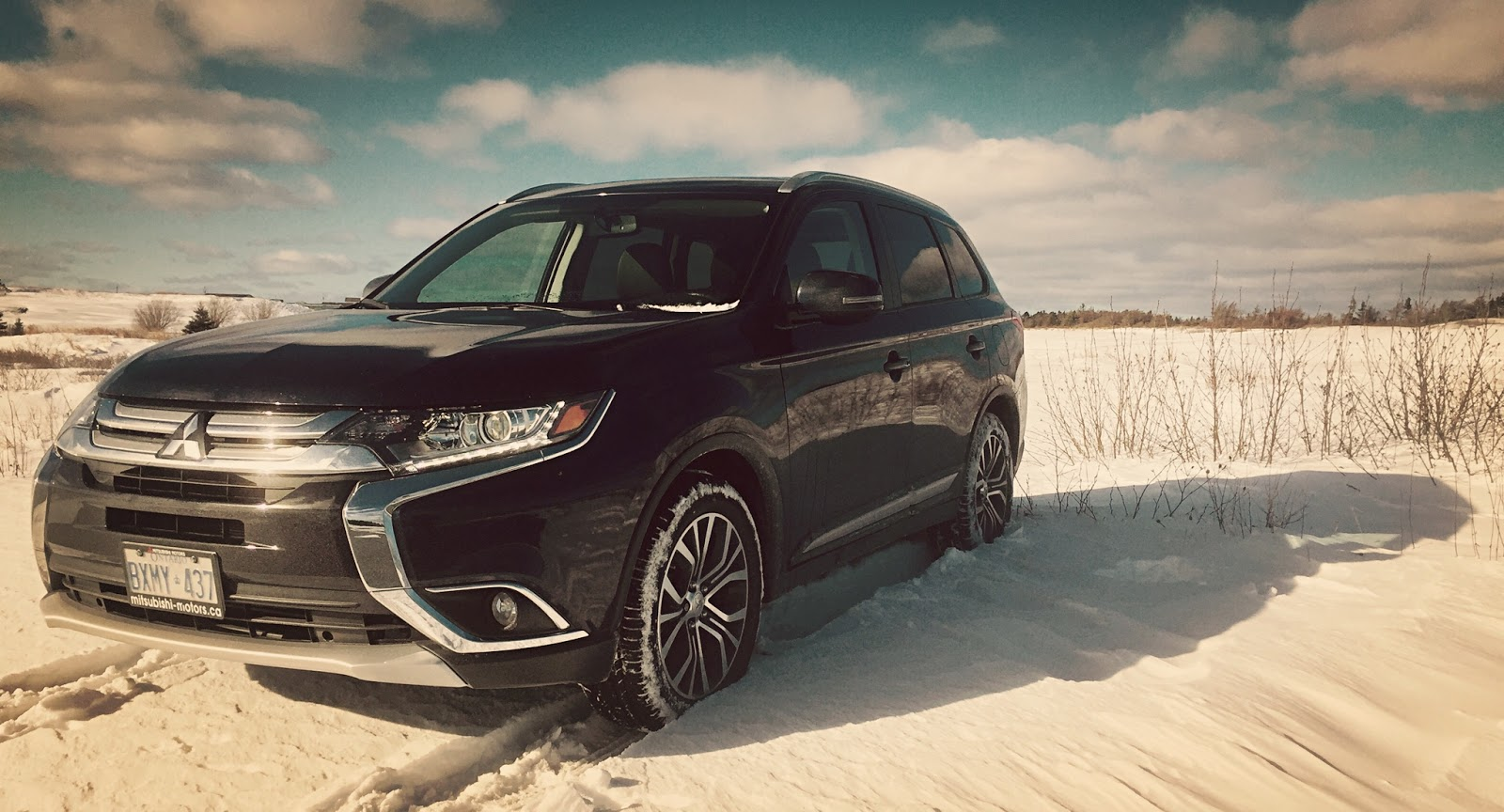 that said consider this review two top 5 lists in one there are five key reasons the outlander es awc 24 is the outlander to have and five key reasons