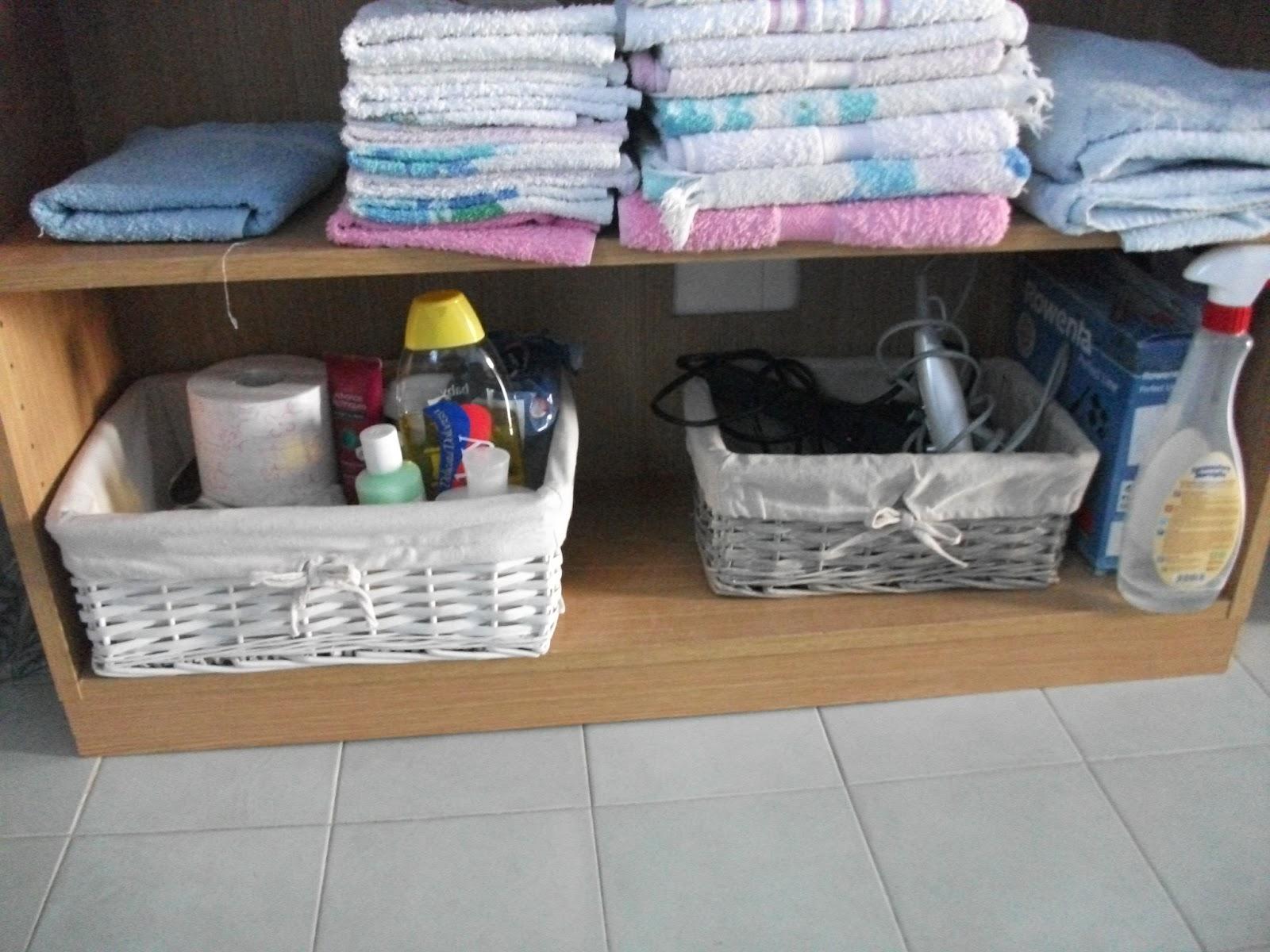 Il filo di lu merletto per i cestini del bagno - Cestini all uncinetto per il bagno ...