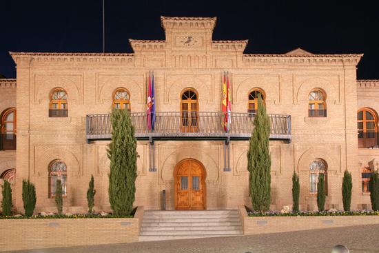 Fachada Ayuntamiento de Illescas imagen www.codigopostal.org