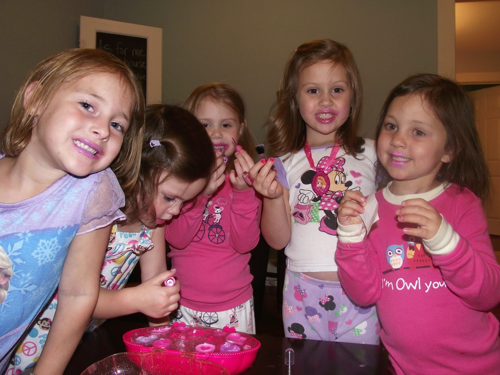 Thank you for visiting My Girly Party, where no Dream is too BIG! Have your Private Party in our party room located in Farmington Hills, MI or at your location. We offer many girly party packages including My Dream Diva Party, My Princess Tea Party, My Sassy Spa Party, Pajama Jam, Princess & Pirate and more! Traveling Spa Party for Girls!
