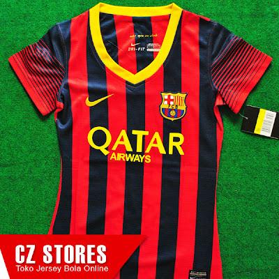... Foto Foto Lengkap Kostum Seragam Jersey Barcelona FC Terbaru Musim Ini