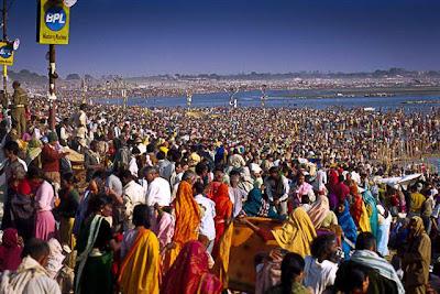 Ritual Mandi Telanjang Penghapusan Dosa di India