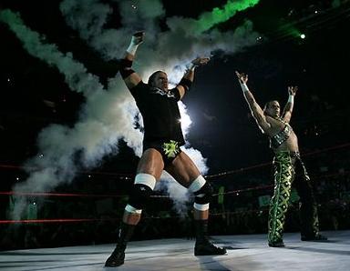 DX Shawn Michaels y Triple H se toman el cuadrilátero para realizar un sin fin de travesuras
