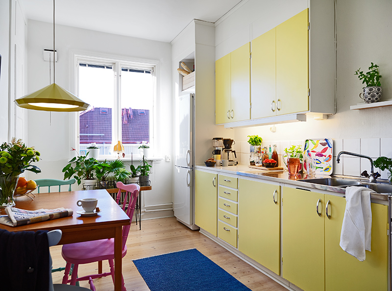 The frugal aesthetic positive downsizing - Cocinas pintadas ...
