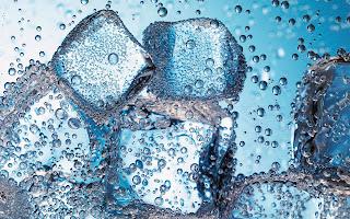 ice cubes closeup (14)