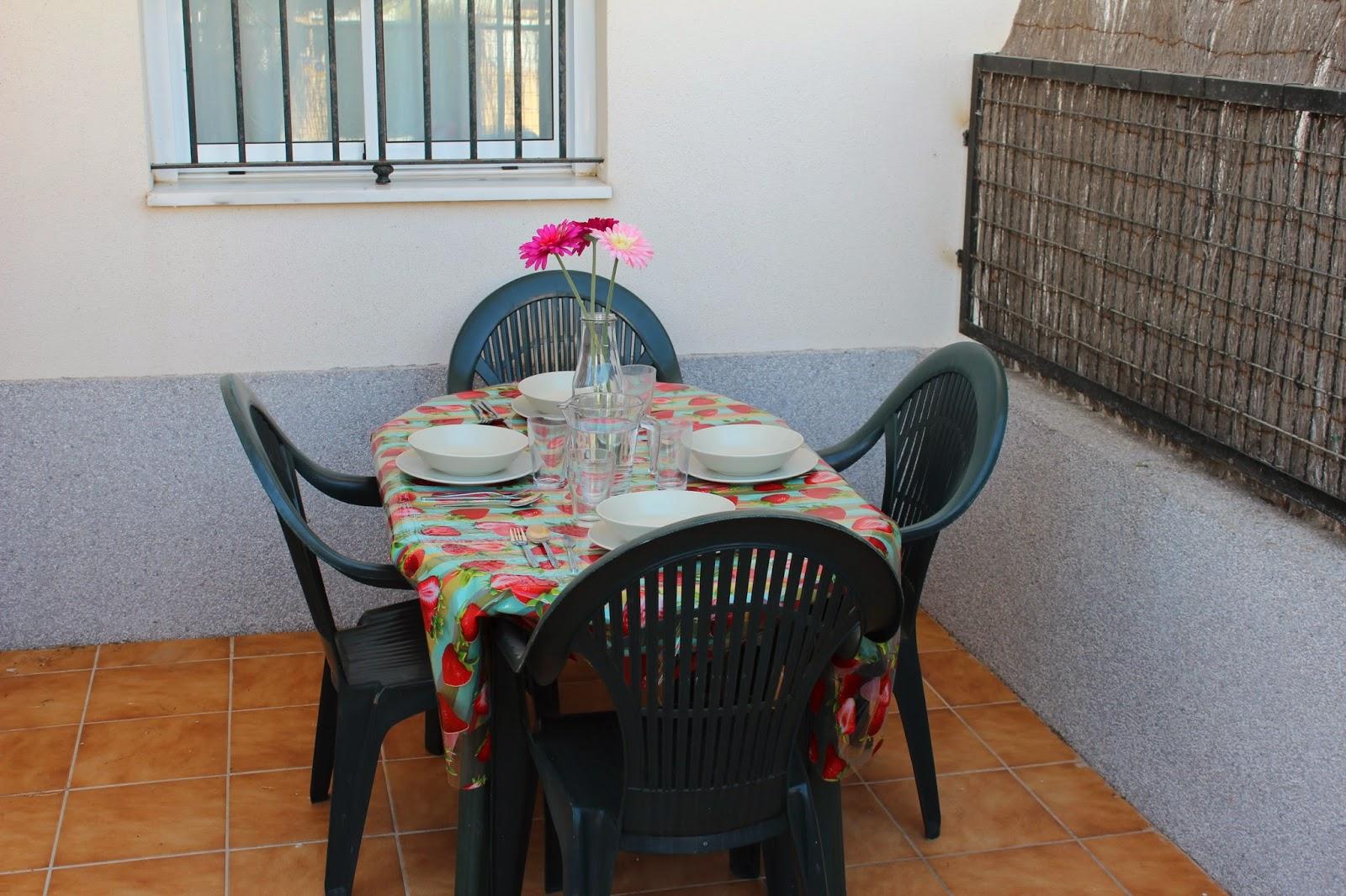 Apartamento en rota cadiz alquiler verano terraza trasera for Alquiler piso rota verano