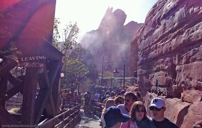 Radiator Springs Racers queue single Oasis