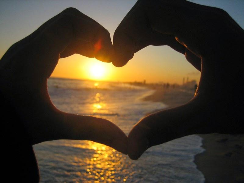 Gambar Cinta I Love You Matahari Tenggelam Sunset di Pantai