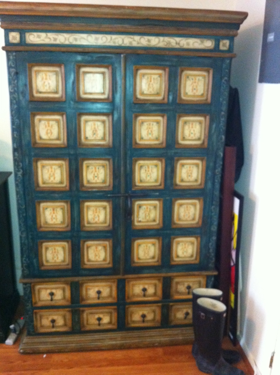 Beany malone armoire for Armoire new york city
