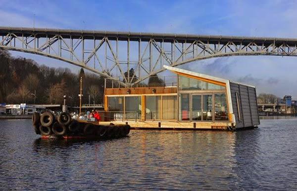 Contemporary Washington Floating Home