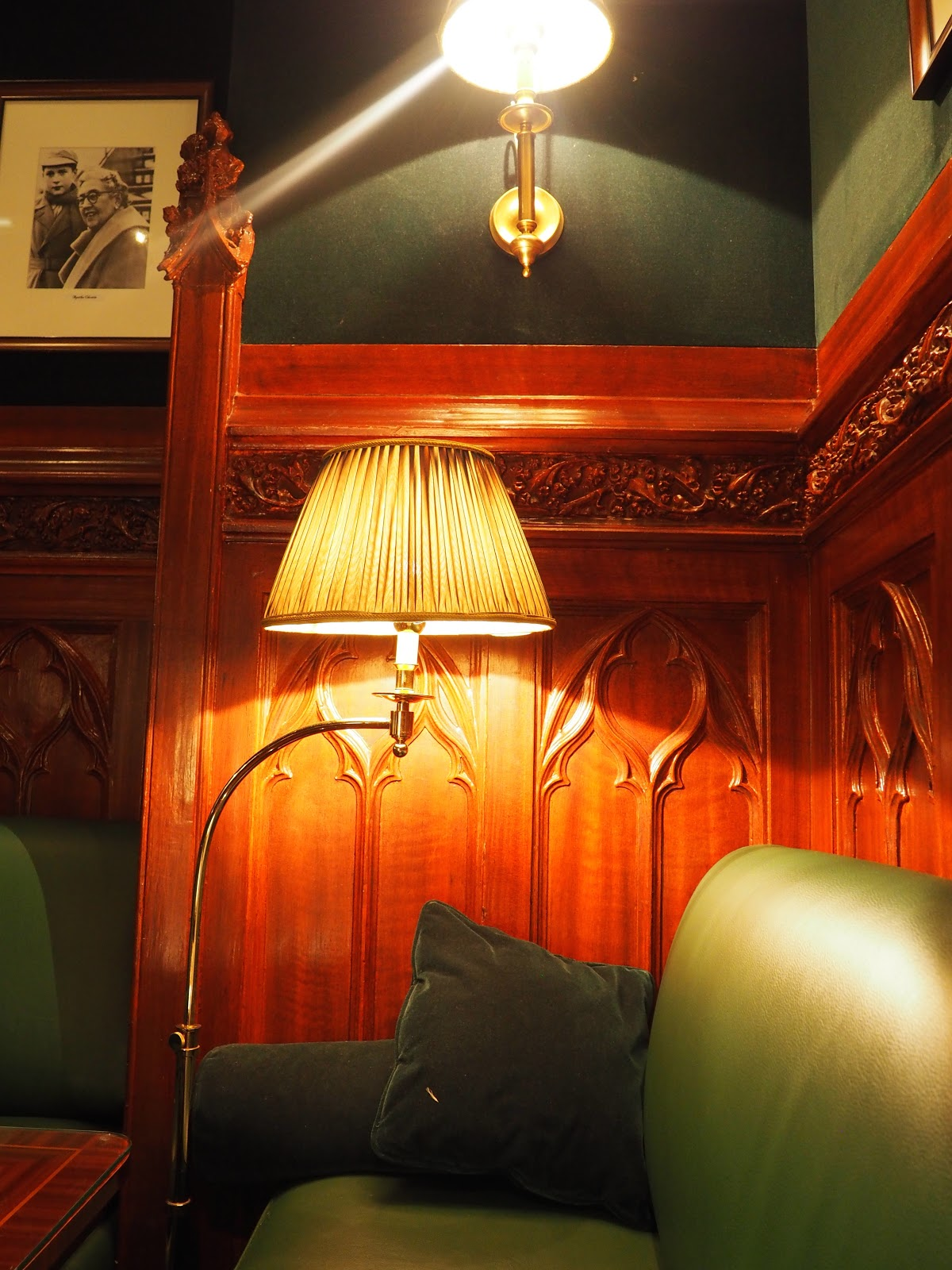 The Dukes Bar, Hotel Westminster, Paris