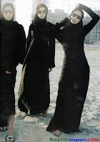 три черных хиджаба