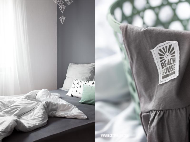 Schlafzimmer Wandfarbe Grau Voile Gardine Himmeli ungemachtes Bett