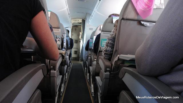 Interior do CRJ900 da Pluna