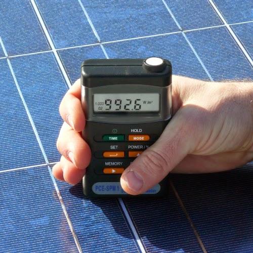 Mobiles Solar-Energie-Messgerät PCE-SPM 1