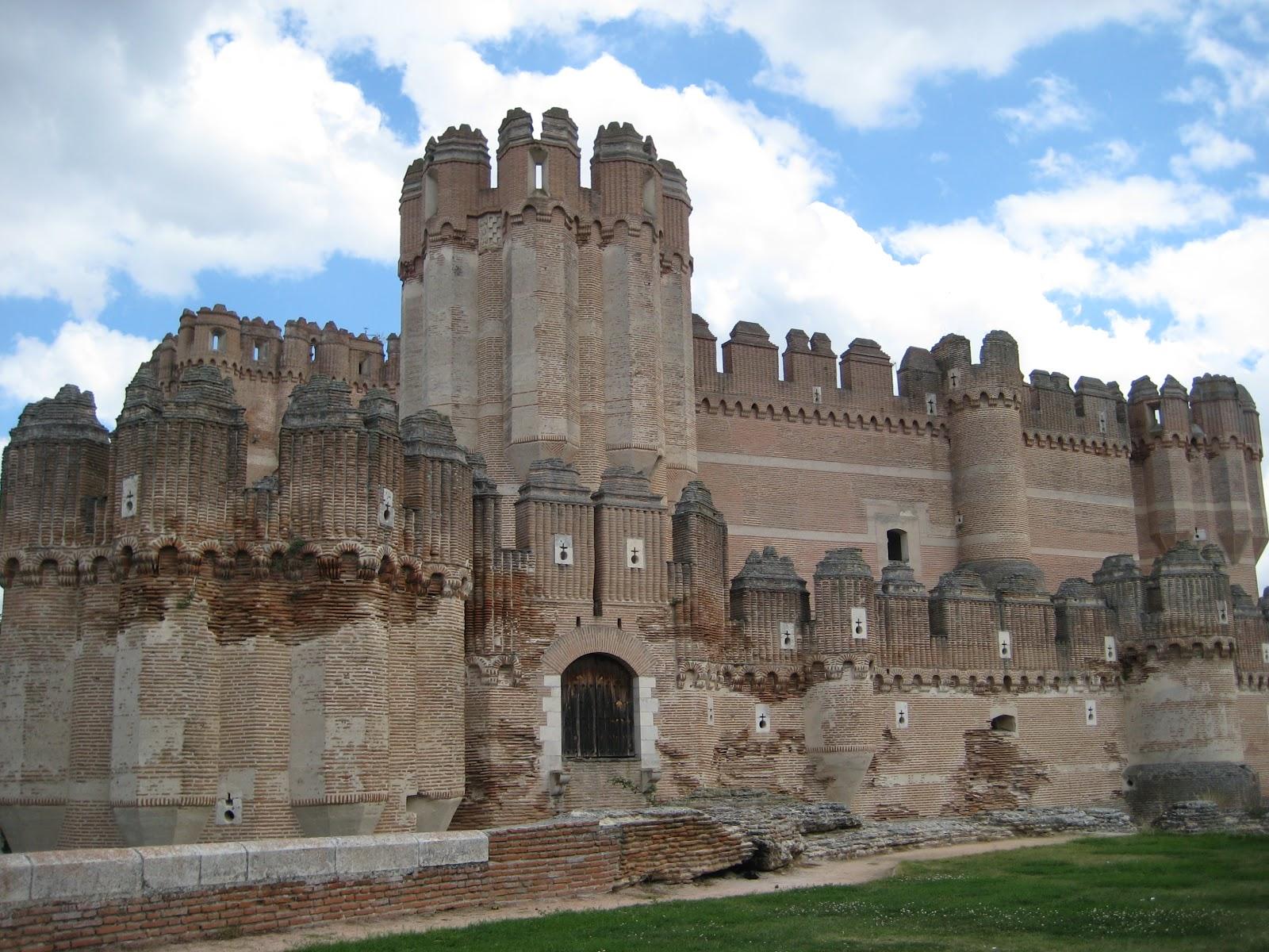 Great Castles of Europe: Castles in Spain
