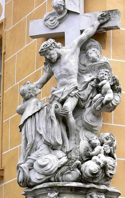 São Bernardo consola Jesus Crucificado. Bamberg, Alemanha