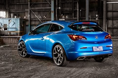 VXR also looks good from behind, check those pipes out!