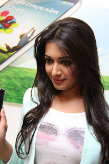 Actress Catherine Tresa Pictures in Skinny Jeans at BIG C Mobile Store Launch 0017.jpg