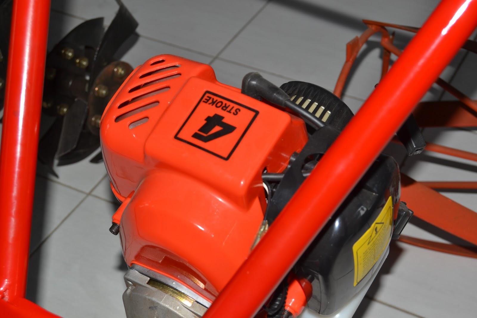Mesin Matun Saam Pw04 Santoso Advance Agricultural Machinery Paket Tudung Padi 1 Pisau Dan Gearcase Alat Ini Menggunakan 4 Tak Memiliki Roda Yang Bisa Disesuaikan Untuk Jalur Atapun 2