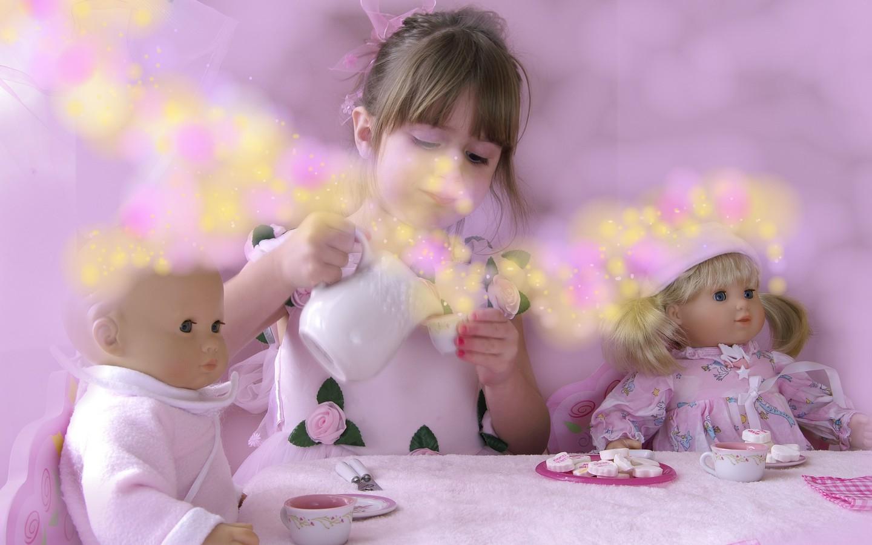 http://1.bp.blogspot.com/-TZUE_X4T9Yc/T8s_u11tm2I/AAAAAAAAEyU/ZljXkUTkJwU/s1600/exquisite_fairytale_wallpaper.jpg