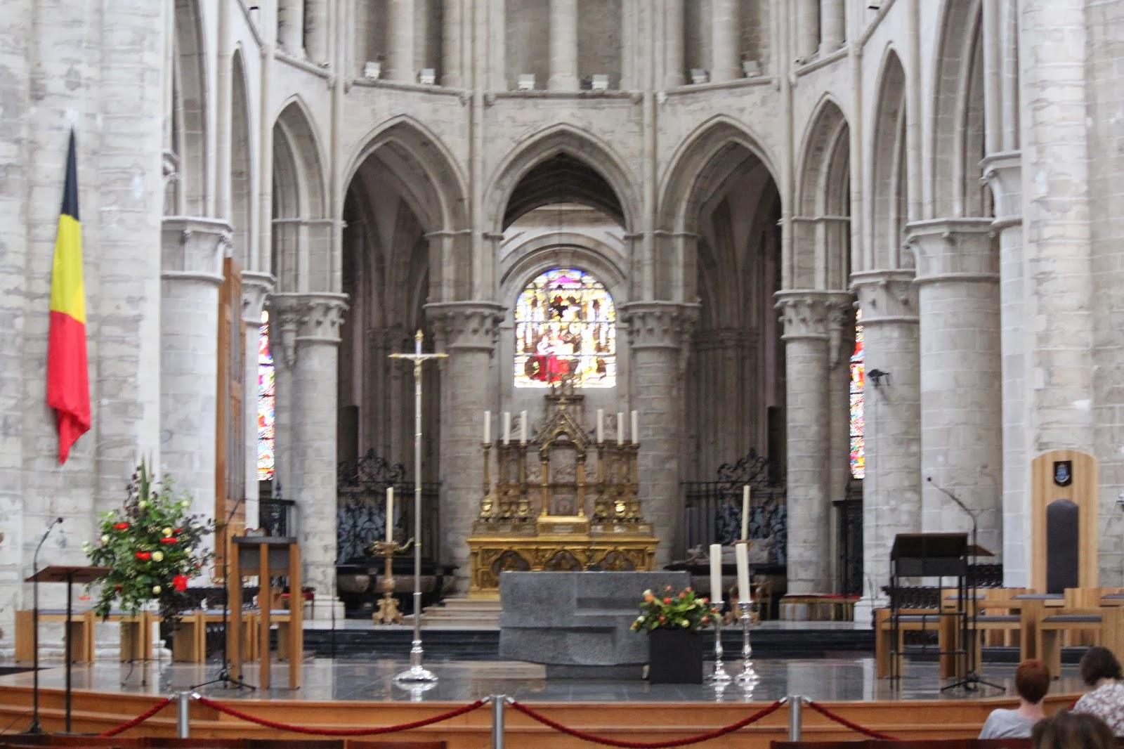 Historia y genealog a interior de la catedral de bruselas for Catedral de durham interior