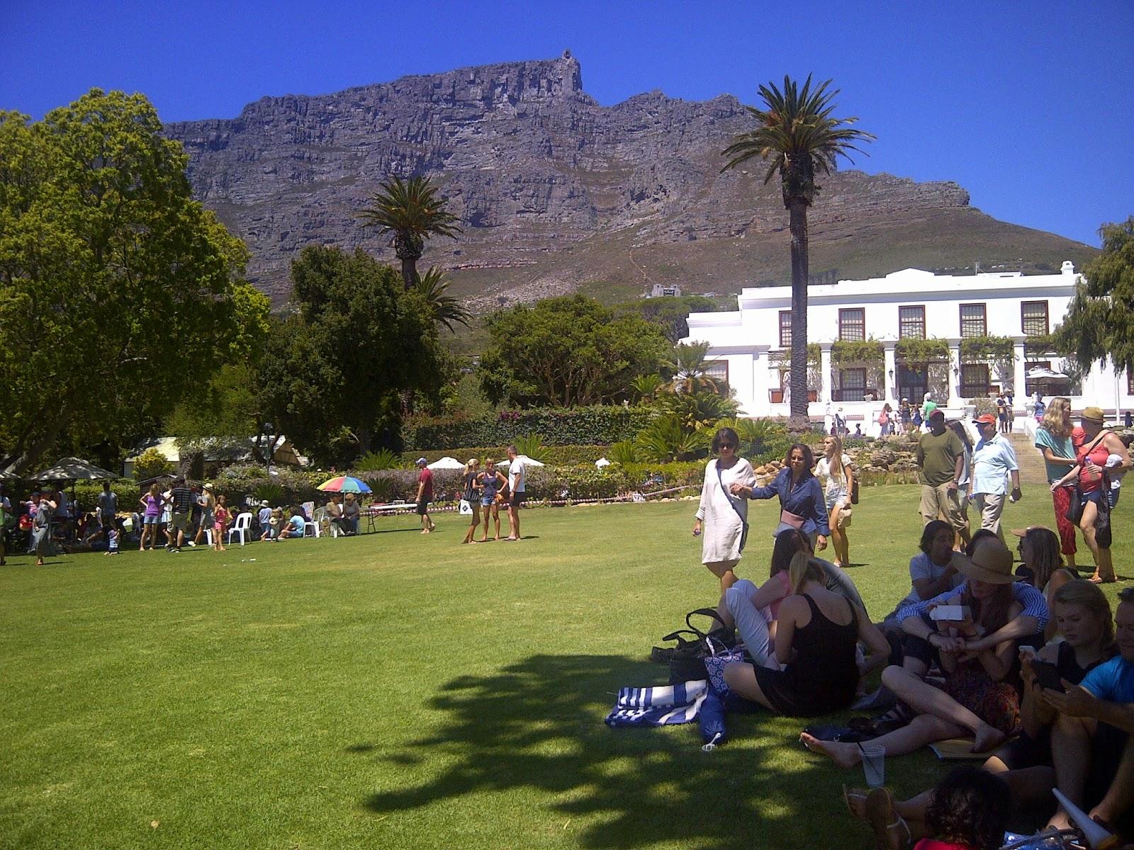 Leeuwenhof vor dem Panorama des Tafelberg