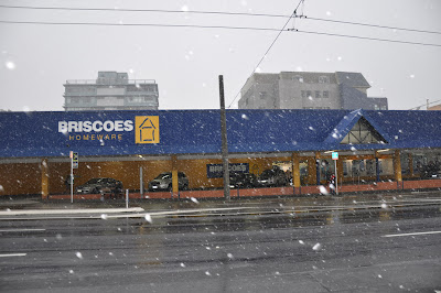 Snow on Taranaki Street 2