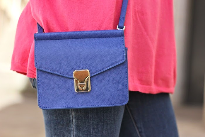 jersey_rosa_bolso_azul_zara_ss14_primavera_verano_2014_minibolso_bag_blue_pink_sweater_jeans_look_outfit_angicupcakes03