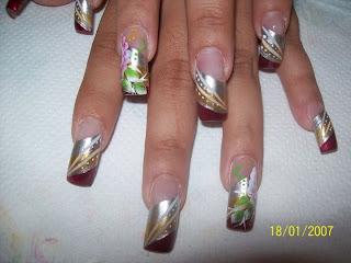 modelo de uñas flores