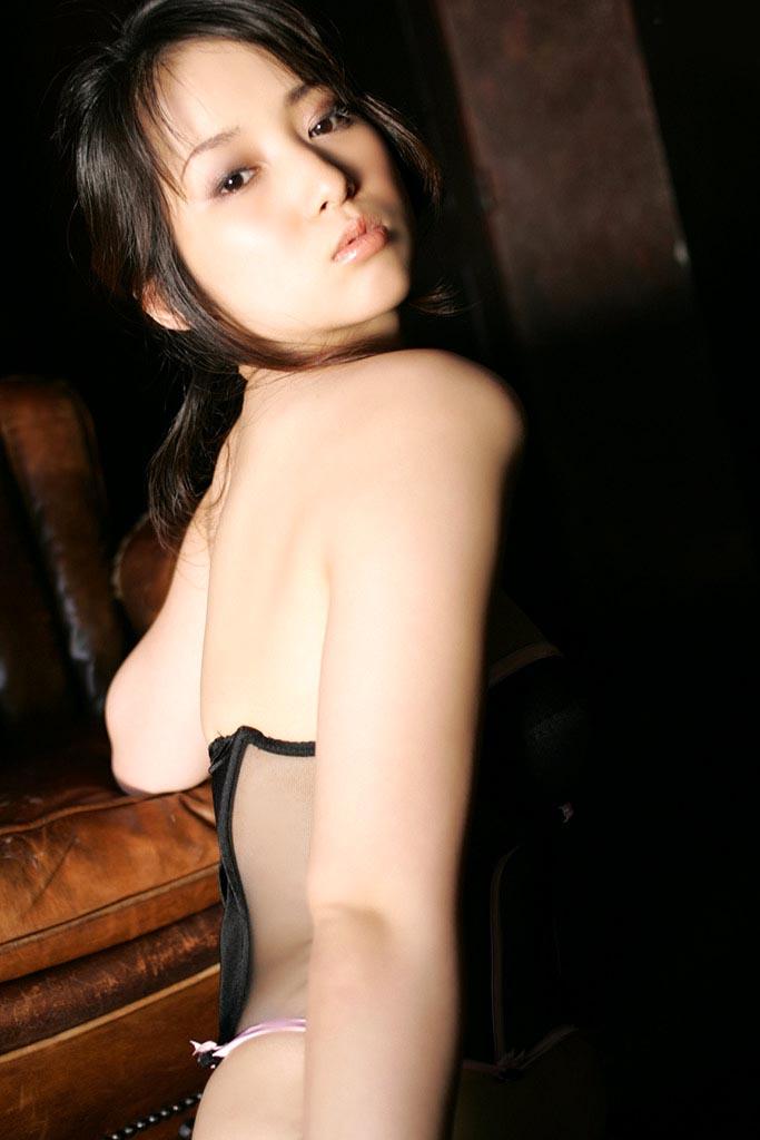 atsuko yamaguchi sexy lingerie pics 10