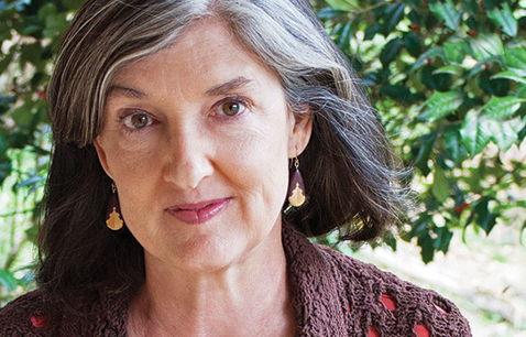essays on animal dreams by barbara kingsolver Barbara kingsolver's animal dreams: alice she is dead she does not appear physically but haunts mentally she is codi and hallie's mother alice, the late wife of homero noline.