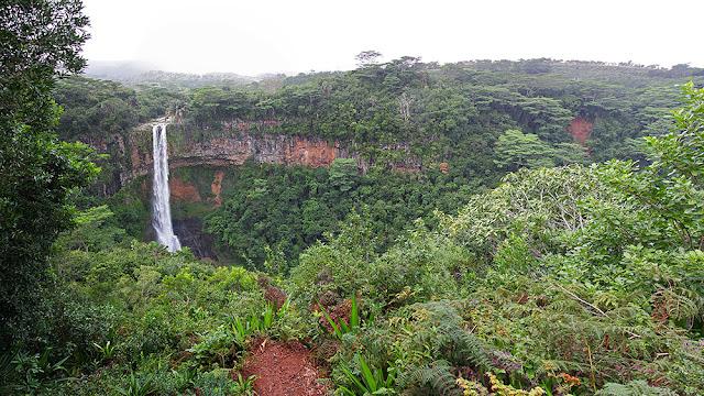 panorama foresta pluviale mauritius isole maurizius cascata